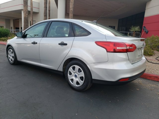 2016 Ford Focus 4dr Sdn S - Image 4