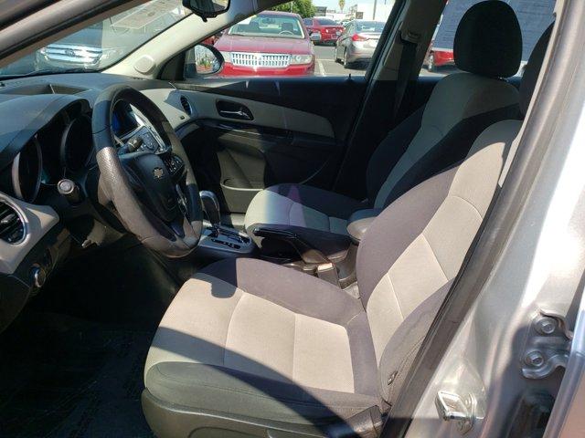 2012 Chevrolet Cruze 4dr Sdn LS - Image 14