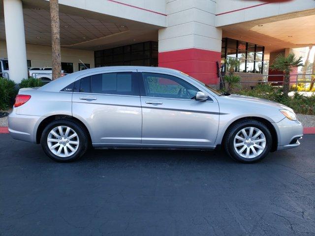 2014 Chrysler 200 4dr Sdn Touring - Image 7