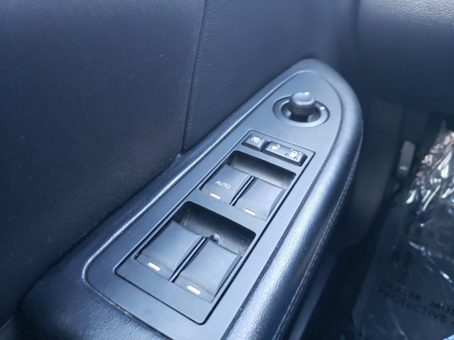 2014 Chrysler 200 4dr Sdn LX - Image 18