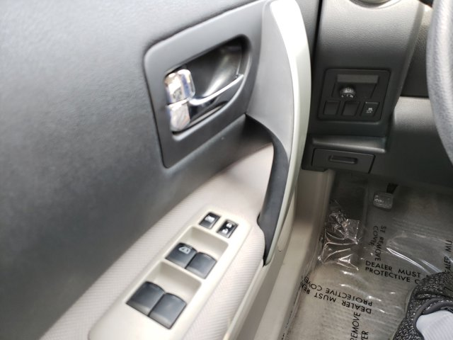 2013 Nissan Rogue FWD 4dr S - Image 17