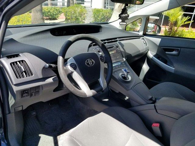 2010 Toyota Prius 4 DOOR HATCHBACK - Image 3