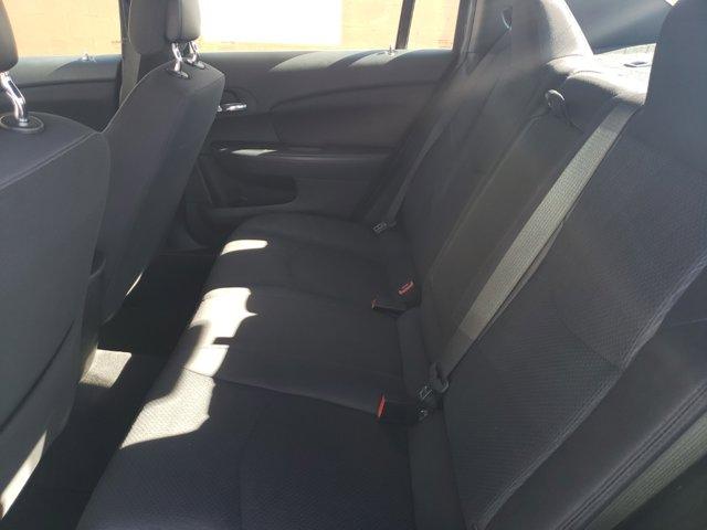 2014 Chrysler 200 4dr Sdn LX - Image 9