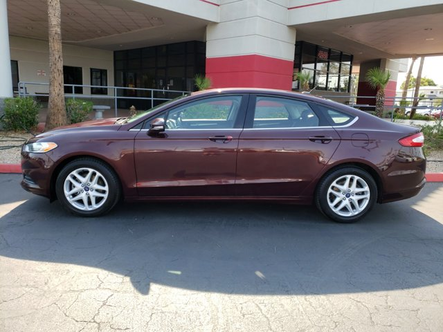 2013 Ford Fusion 4dr Sdn SE FWD - Image 3