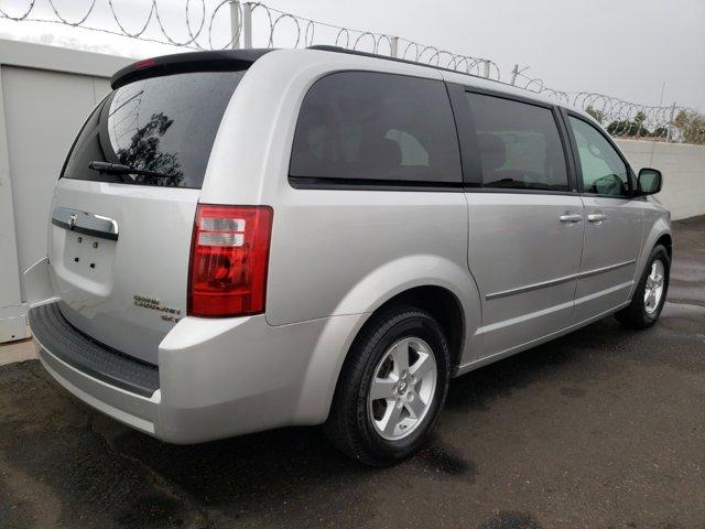 2010 Dodge Grand Caravan 4dr Wgn SXT - Image 13