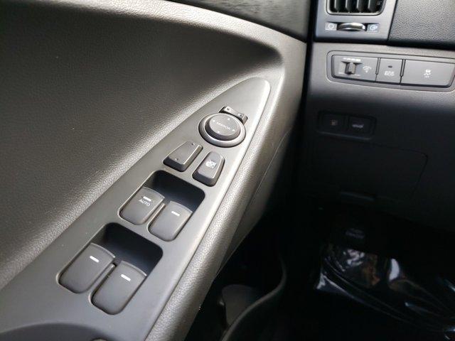 2012 Hyundai Sonata 4dr Sdn 2.4L Auto GLS PZEV - Image 15