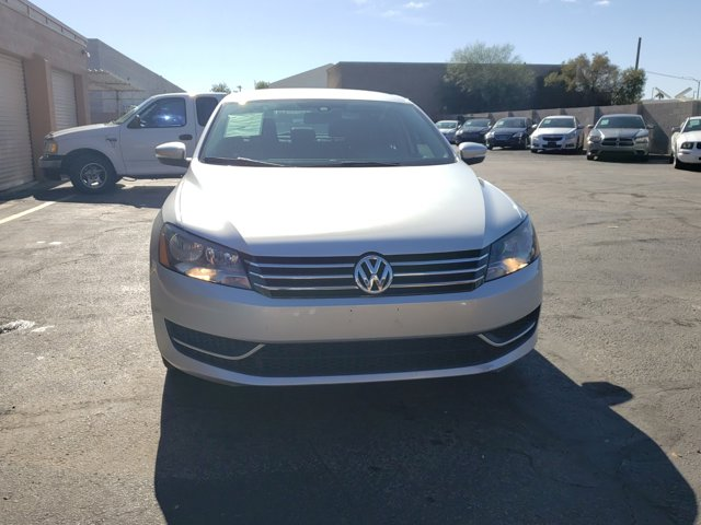 2015 Volkswagen Passat 4 DOOR SEDAN - Image 3
