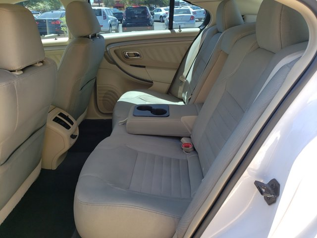 2013 Ford Taurus 4dr Sdn SE FWD - Image 13