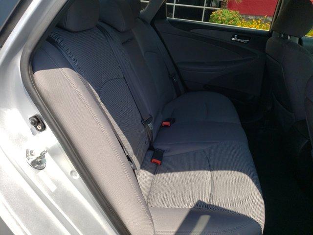 2011 Hyundai Sonata 4dr Sdn 2.4L Auto GLS - Image 11