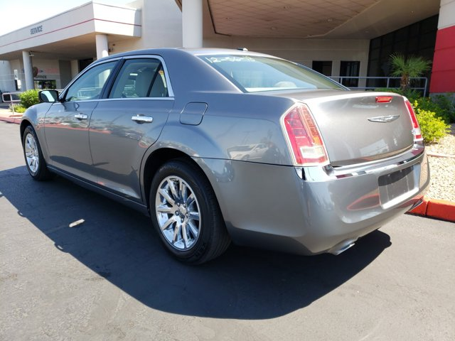 2011 Chrysler 300 4dr Sdn Limited RWD - Image 4