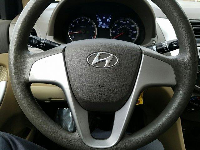 2014 Hyundai Accent 4dr Sdn Auto GLS - Image 10