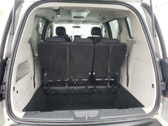 2010 Dodge Grand Caravan 4dr Wgn SXT - Image 7