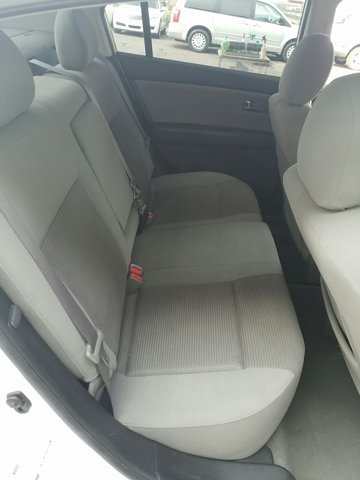 2011 Nissan Sentra 4dr Sdn I4 CVT 2.0 S - Image 12