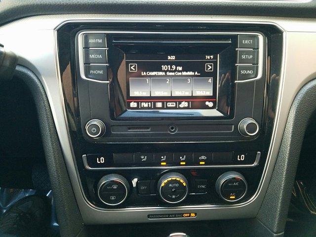 2016 Volkswagen Passat 4 DOOR SEDAN - Image 9