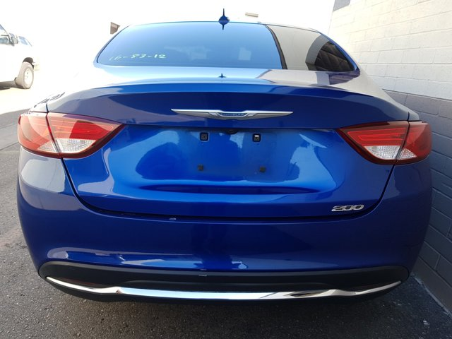 2016 Chrysler 200 4dr Sdn Limited FWD - Image 8
