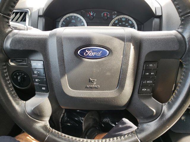 2011 Ford Escape FWD 4dr Limited - Image 11