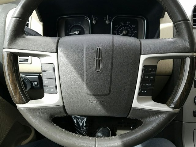 2008 Lincoln MKX AWD 4dr - Image 11
