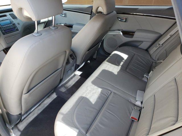 2011 Hyundai Azera 4dr Sdn Limited - Image 9
