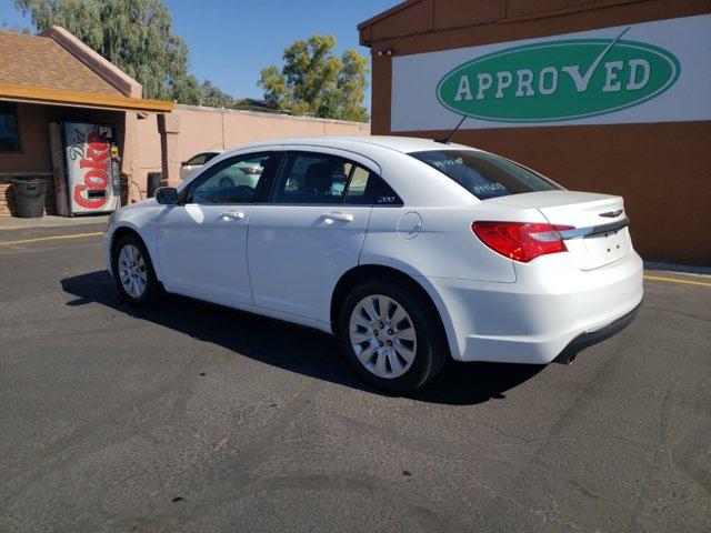 2014 Chrysler 200 4dr Sdn LX - Image 7