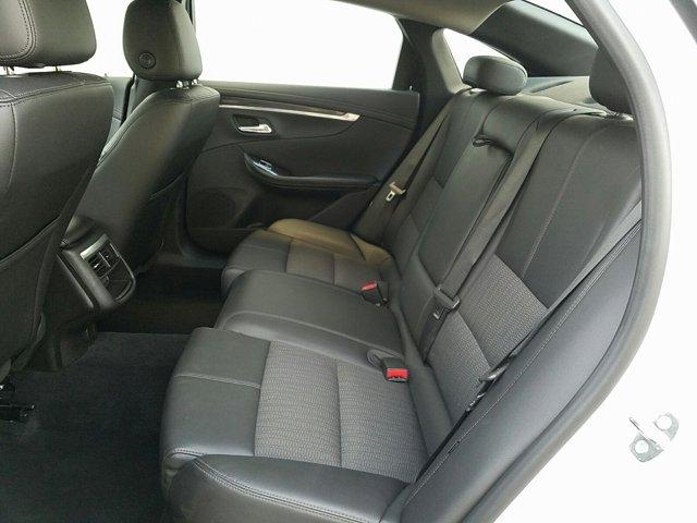 2018 Chevrolet Impala 4dr Sdn LT w/1LT - Image 5