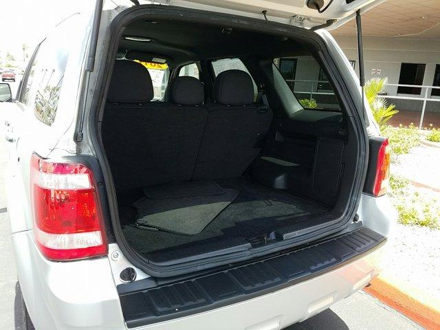 2011 Ford Escape FWD 4dr XLT - Image 6
