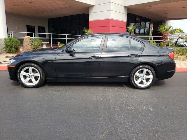 2015 BMW 3 Series 4dr Sdn 320i RWD - Image 3