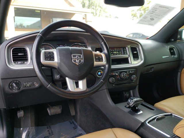 2012 Dodge Charger 4dr Sdn SXT Plus RWD - Image 10