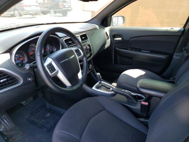 2013 Chrysler 200 4dr Sdn Touring - Image 9