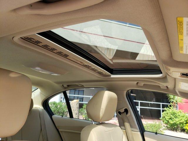 2015 BMW 3 Series 4dr Sdn 320i RWD - Image 13