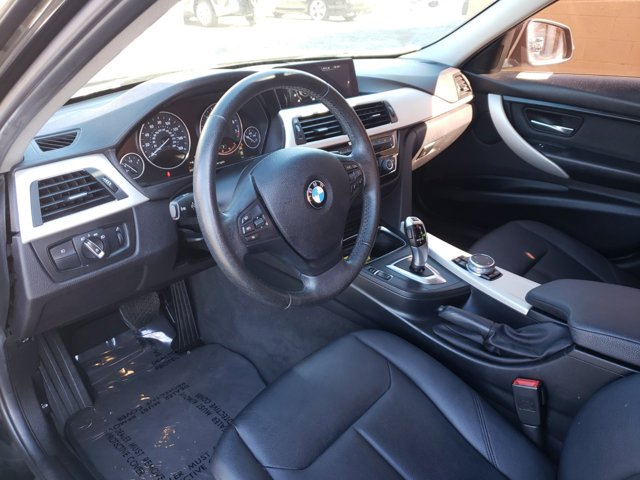 2016 BMW 3 Series 4dr Sdn 320i xDrive AWD South Africa - Image 8