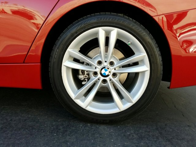 2016 BMW 3 Series 4dr Sdn 320i RWD - Image 3