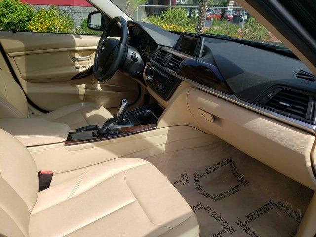 2015 BMW 3 Series 4dr Sdn 320i RWD - Image 12