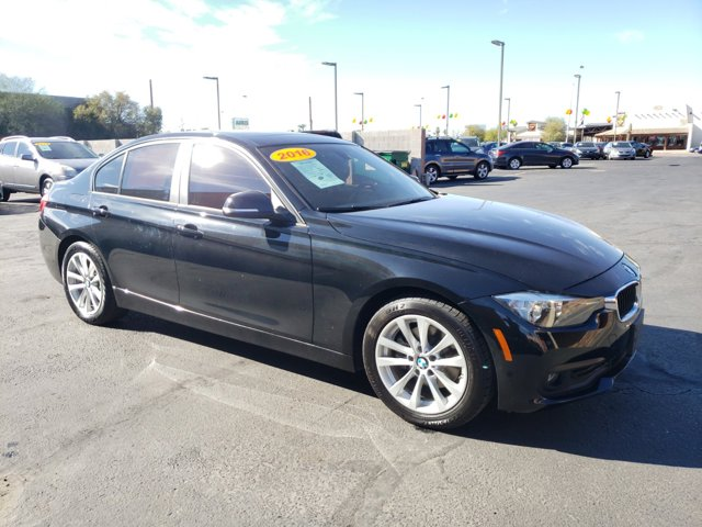 2016 BMW 3 Series 4dr Sdn 320i xDrive AWD South Africa - Image 4