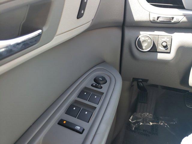 2015 Chevrolet Traverse FWD 4dr LS - Image 21