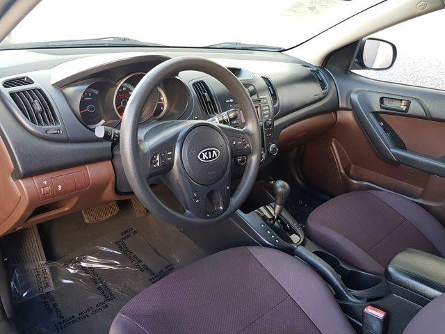 2010 Kia Forte 4dr Sdn Auto EX - Image 4