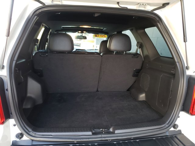 2012 Ford Escape FWD 4dr Limited - Image 7