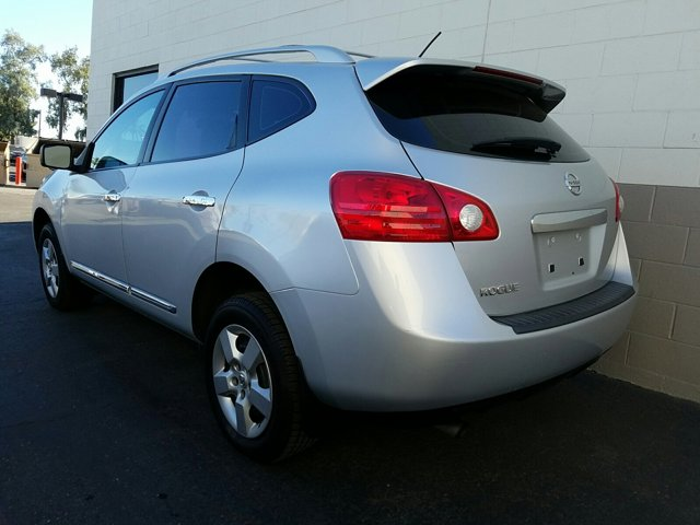 2013 Nissan Rogue FWD 4dr S - Image 8