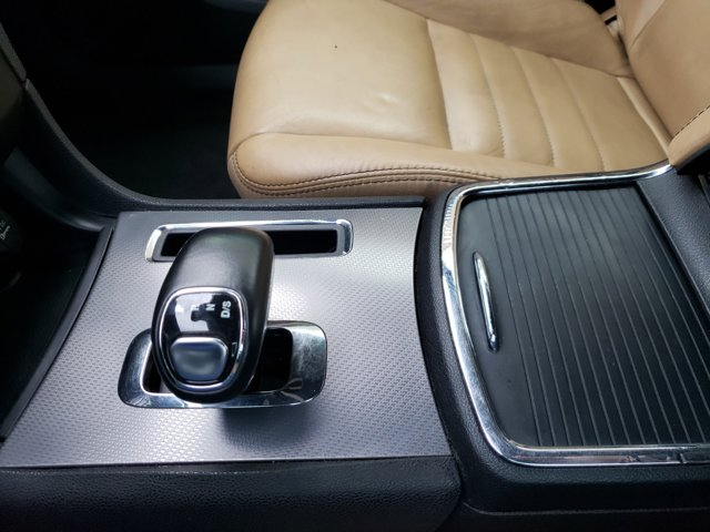 2012 Dodge Charger 4dr Sdn SXT Plus RWD - Image 19
