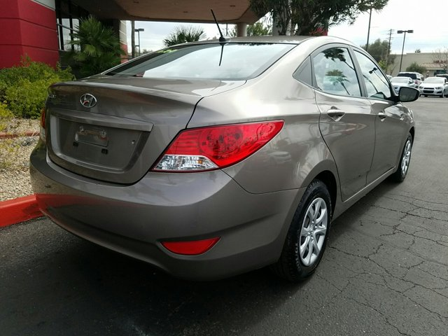 2014 Hyundai Accent 4dr Sdn Auto GLS - Image 12