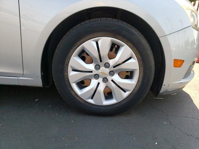 2012 Chevrolet Cruze 4dr Sdn LS - Image 9