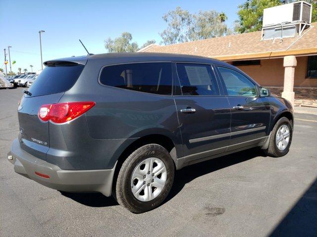 2011 Chevrolet Traverse FWD 4dr LS - Image 5