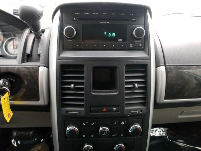 2010 Dodge Grand Caravan 4dr Wgn SXT - Image 11