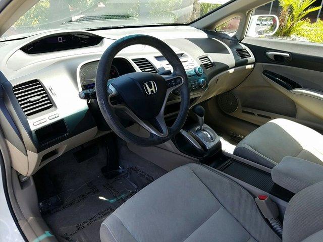 2009 Honda Civic Sdn 4dr Auto LX - Image 4