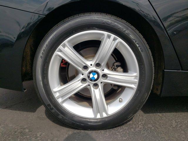 2015 BMW 3 Series 4dr Sdn 320i RWD - Image 9