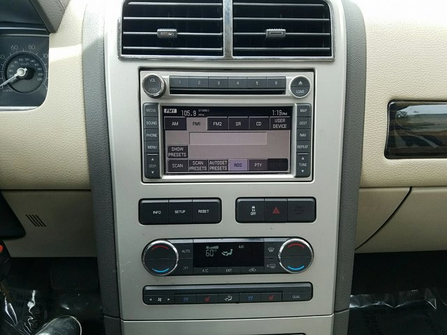 2008 Lincoln MKX AWD 4dr - Image 10