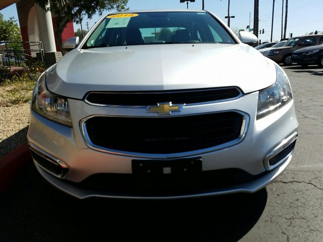 2015 Chevrolet Cruze 4dr Sdn Auto 2LT - Image 2