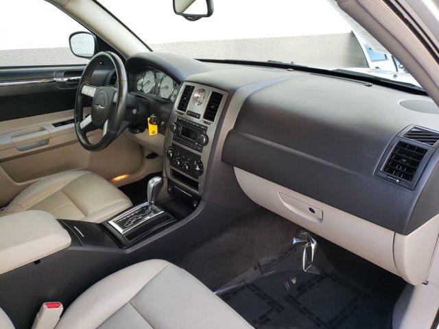 2006 Chrysler 300 4dr Sdn 300 Touring - Image 11