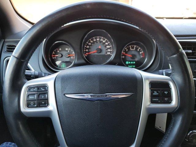 2013 Chrysler 200 4dr Sdn Touring - Image 12