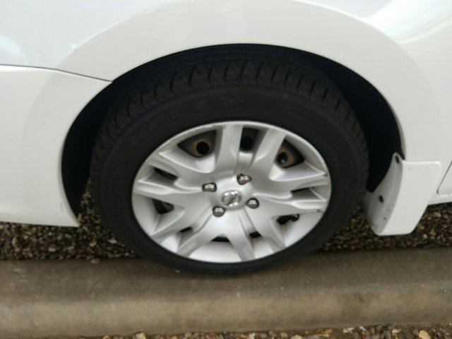 2011 Nissan Sentra 4dr Sdn I4 CVT 2.0 S - Image 7