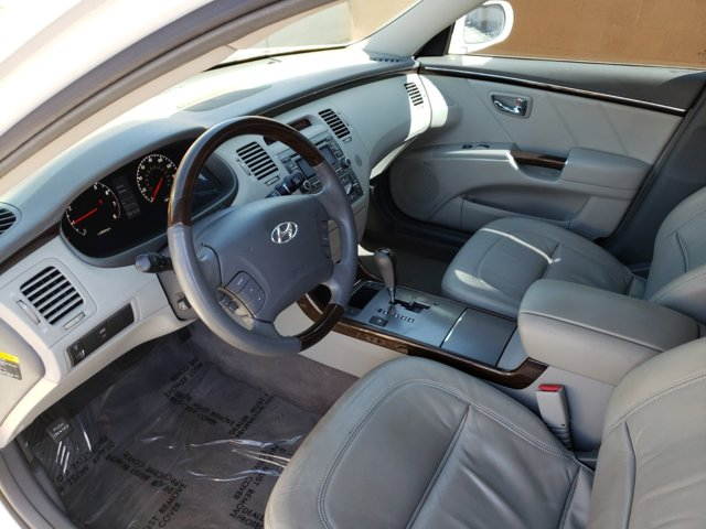 2011 Hyundai Azera 4dr Sdn Limited - Image 8
